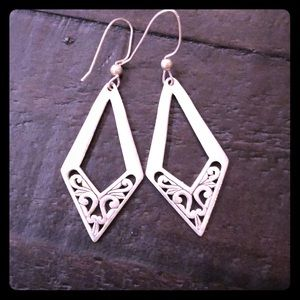Jewelry - Sterling silver filigree diamond shaped earrings
